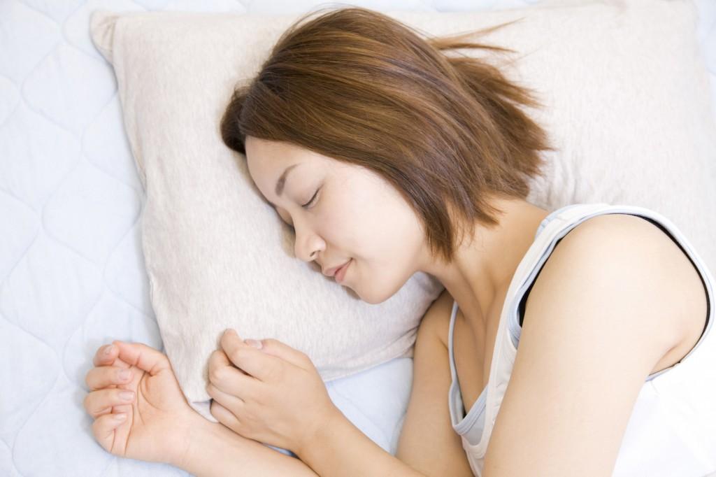 生理痛、冷え性、便秘、偏頭痛、更年期など女性特有の症状には、特にレイキ療法が症状を緩和します